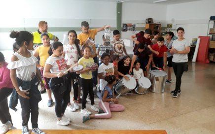 APORTEM consigue instrumentos musicales y más de mil libros para menores del Marítimo